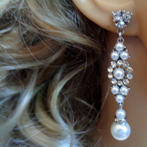 Hand Crafted Elegant Pearl Long Earring